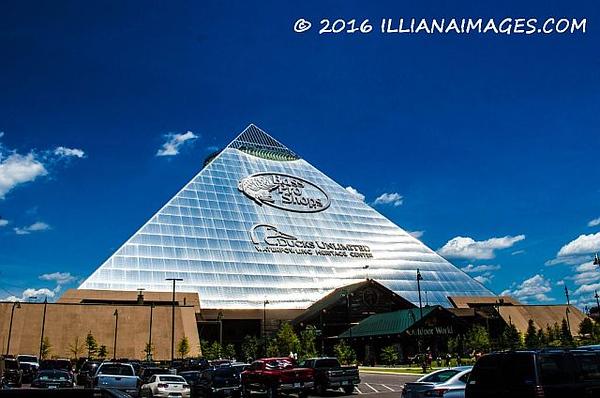 Bass Pro Pyramid , Memphis, Tennessee