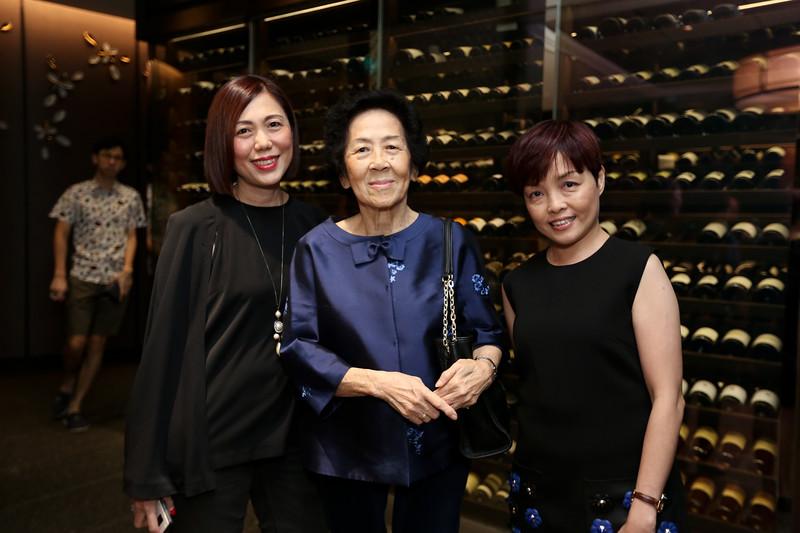 VividSnaps-Anne-Wong's-70th-Birthday-WO-Border-28037.JPG