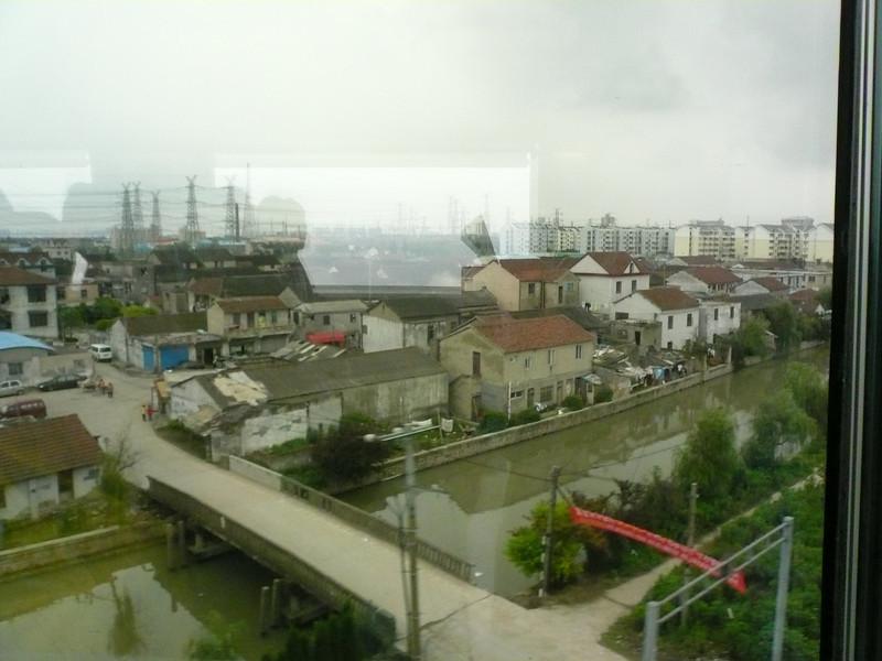 Shanghai-Pudong Airport MagLev Train views 2007