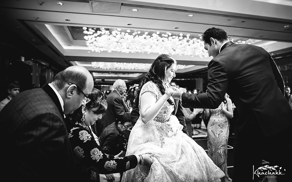 best-candid-wedding-photography-delhi-india-khachakk-studios_56.jpg