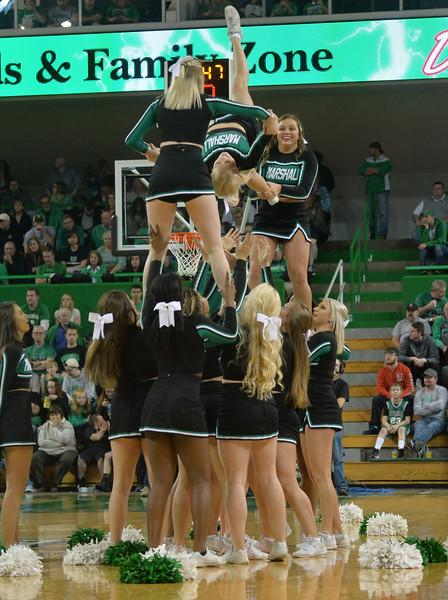 cheerleaders3714.jpg