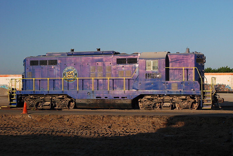 2015-04-16 EMD GP9 side rt Tulare CA.JPG