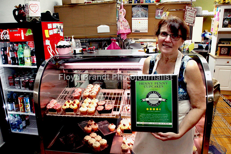 "Havre Daily News/Floyd Brandt  Trip Advisor awards Henny Penny Cup Cakes #1 Dessert second year in a row, Owner Penny Velk received the award on Wednesday for not only her cup cake creations but also for her soup and service to customers, Thursday Oct 12, 2017 Havre, Montana.  ""Fabulous Cup Cakes,"" ""The best place in town for soup and cup cakes,"" were some of the comments sent to Trip Advisor from people all over the United Statea and Canada."
