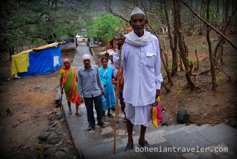 pilgrims at Girnar Hill near Junagadh Gujarat.jpg