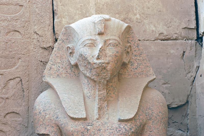 Karnak Temple 01.08.06 0029.jpg