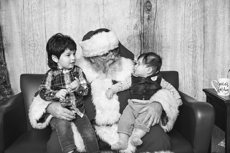 Ameriprise-Santa-Visit-181202-4999-BW.jpg
