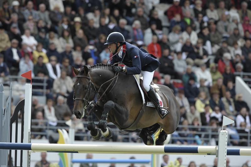 JUMPING : Simon DELESTRE - Valentino Velvet COUPE DES NATIONS 2012 -  CSIO DE LA BAULE 2012 - PHOTO : © CHRISTOPHE BRICOT