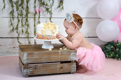 Miss Alaysia's Cake Smash