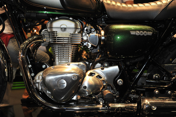 Kawa W800 at Intermot