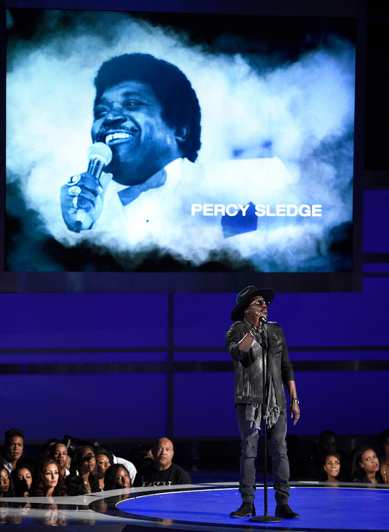 . Anthony Hamilton performs at the BET Awards at the Microsoft Theater on Sunday, June 28, 2015, in Los Angeles. (Photo by Chris Pizzello/Invision/AP)