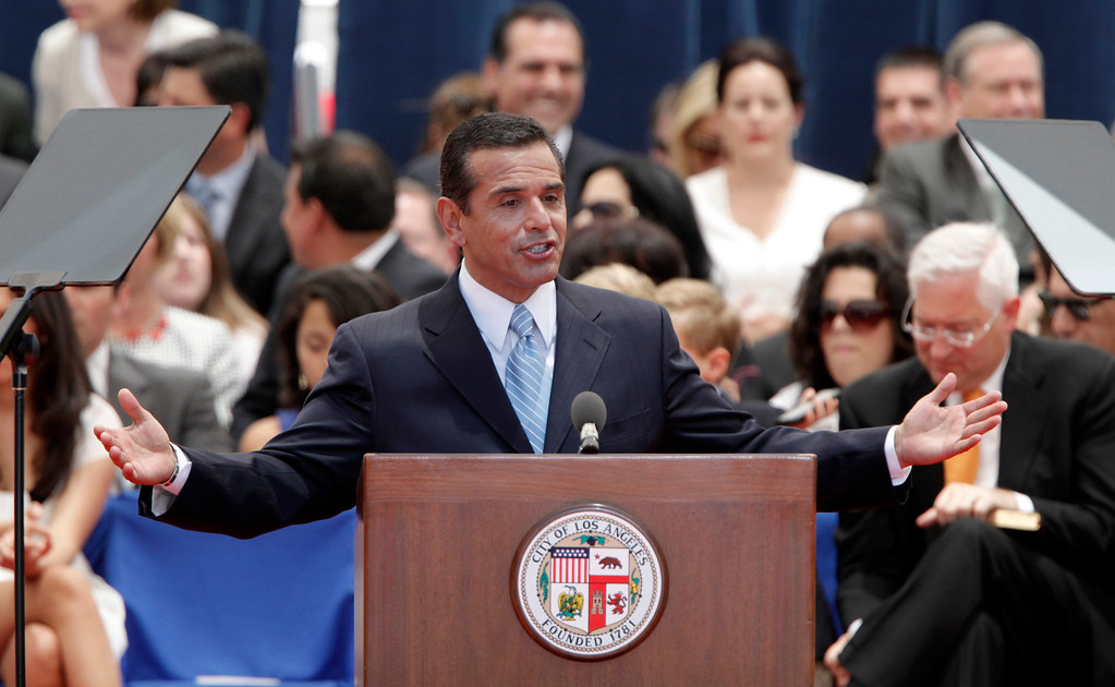 . Mayor Antonio R. Villaraigosa  speaks during swearing in ceremonies at Los Angeles City Hall Wednesday July 1, 2009. (Hans Gutknecht/L.A. Daily News)