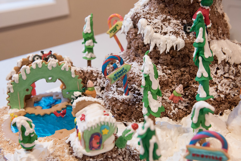 Gingerbread House-66.jpg