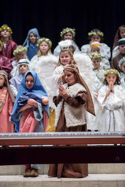 1st grade Christmas program (13 of 49).jpg