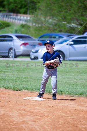 20130413 5 n 6 yrs T-ball Rangers vs Astros
