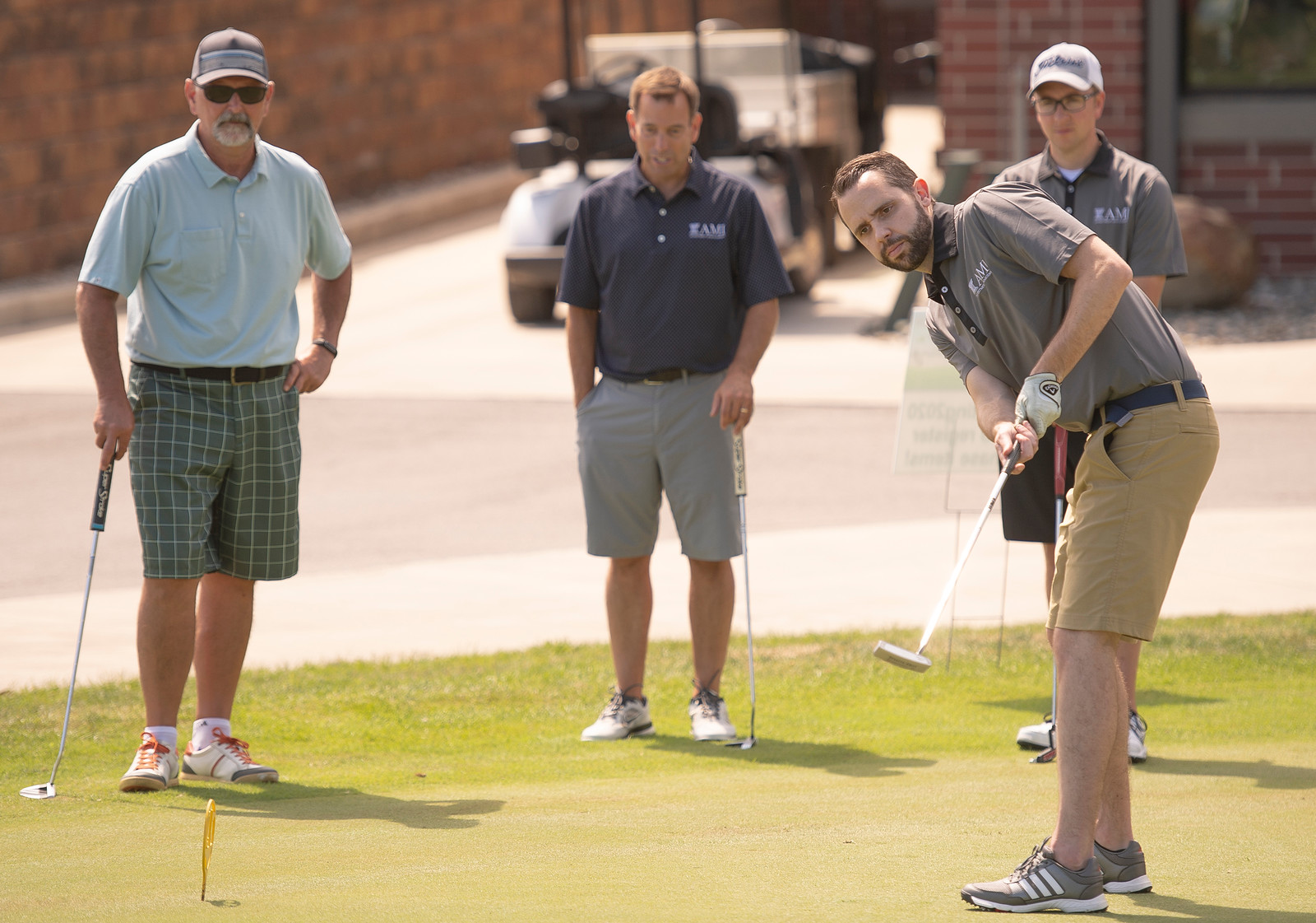 2020_golf_outing_ND40601.jpg