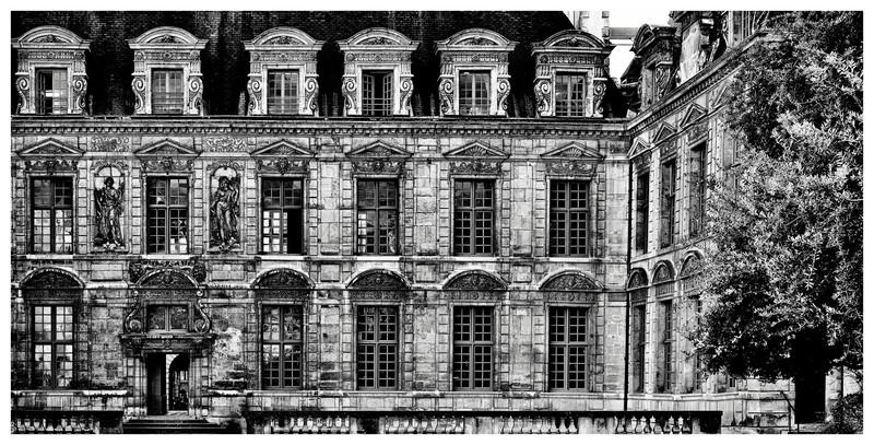 20150312_Place-des-Vosges-et-Sully_0028-0033_0000.jpg