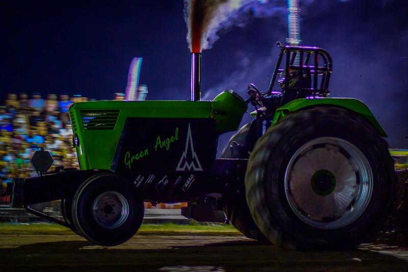 Tractor Pulling 2015 V3-0102.jpg