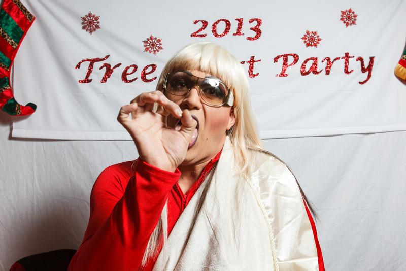 TreeSkirt2013-258.jpg