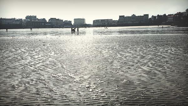 Sous les pavés, la plage