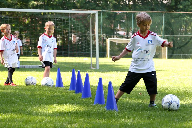 hsv_fussballschule-175_48047991918_o.jpg