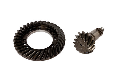 JOHN DEERE 6125R SERIES 735 - 303 DANA AXLE FRONT CROWN WHEEL AND PINION 13/34T