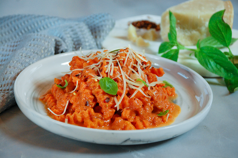 Rotini-with-vodka-sauce-1.png