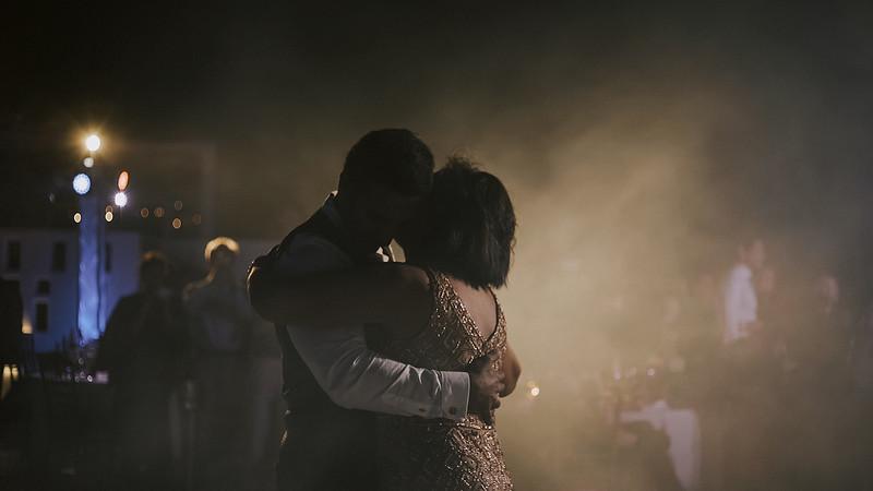 Tu-Nguyen-Destination-Wedding-Photographer-Santorini-Rocabella-Hotel-Euna-Ehsan-912.jpg