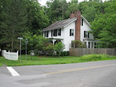 Thorne House Site, Tompkin's Corners