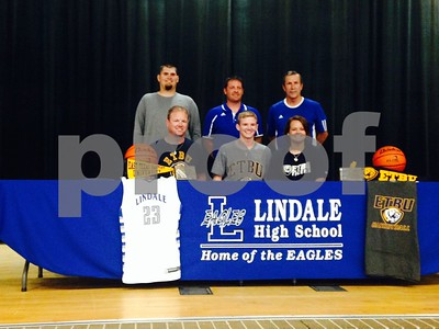 lindales-gray-signs-with-etbu