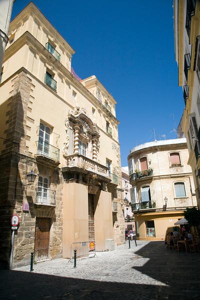 Baroque building in Populo quartier, Cadiz, Spain.