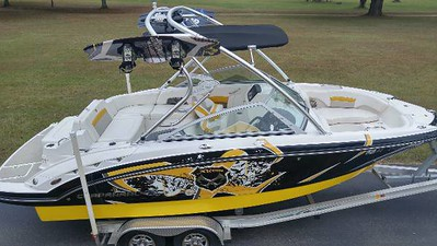 2012 CHAPARRAL 224 XTREME WAKE TOW BOAT