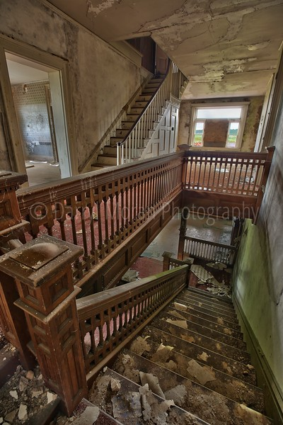 Abandoned Mansion in VA (28).jpg