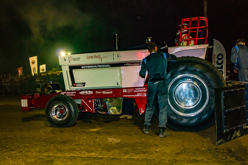 Tractor Pulling 2015-08330.jpg