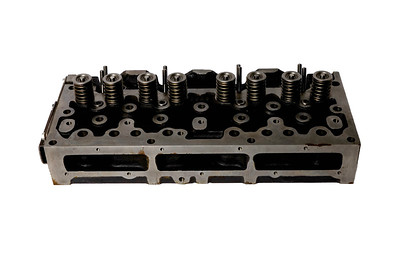 MASSEY FERGUSON ENGINE CYLINDER HEAD 3637384M91