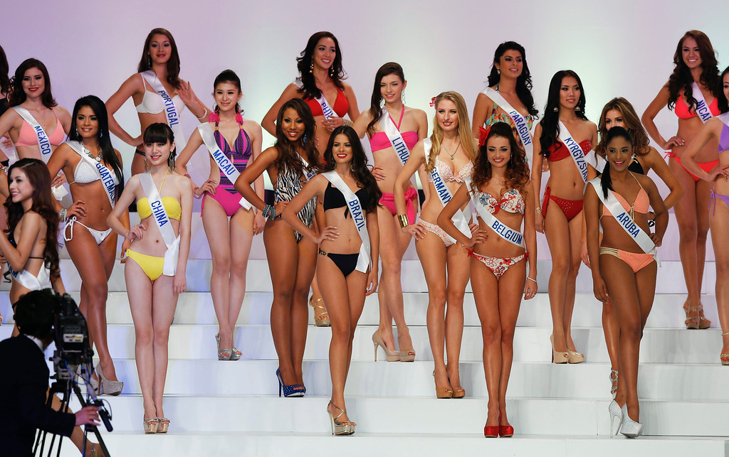 . Miss International beauty pageant participants from various countries perform swimsuit event during the Miss International beauty pageant in Tokyo, Japan, 17 December 2013. Bea Rose Santiago from the Philippines won the title as 2013 Miss International.  EPA/KIMIMASA MAYAMA
