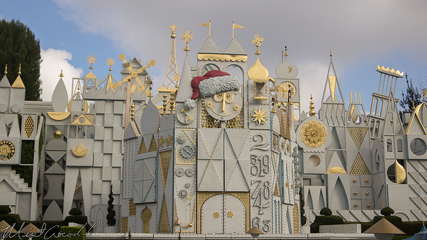 Disneyland Resort, Disneyland, Fantasyland, Small World Holiday, it's a small world, Christmas
