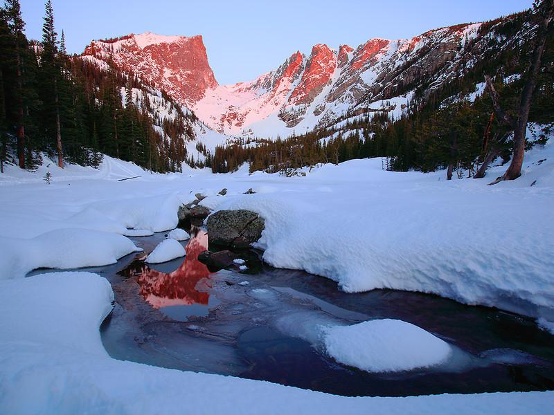 (RM-09010)  Winter Sunrise - Hallett Peak & Dream Lake