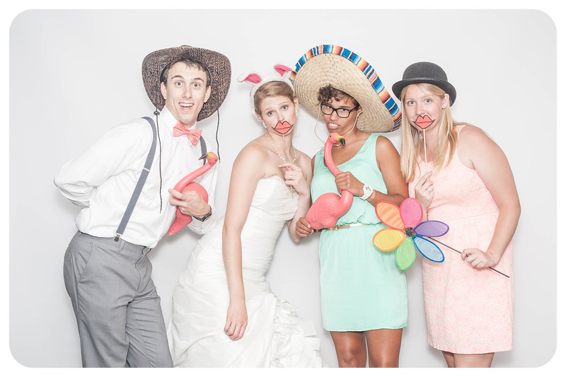Laura+Ross-Wedding-Photobooth-110.jpg