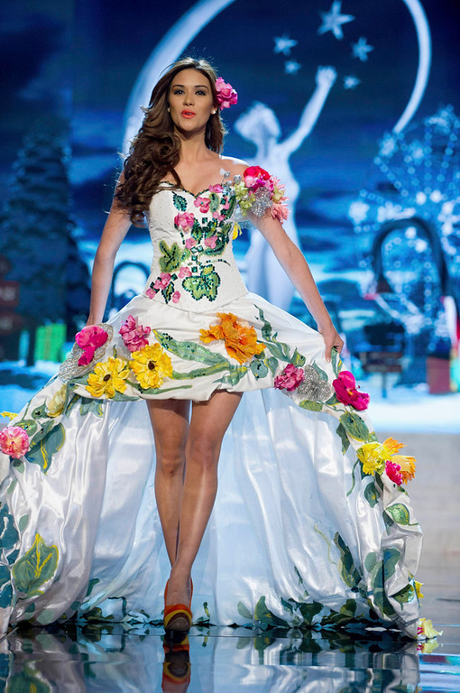 . Miss El Salvador Ana Yancy Clavel performs onstage at the 2012 Miss Universe National Costume Show at PH Live in Las Vegas, Nevada December 14, 2012. The 89 Miss Universe contestants will compete for the Diamond Nexus Crown on December 19, 2012. REUTERS/Darren Decker/Miss Universe Organization L.P./Handout