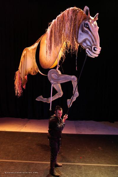 MAGNIFICO HORSES ON STICKS (35).JPG