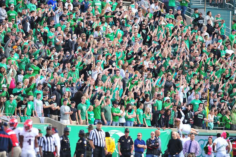 crowd0136.jpg