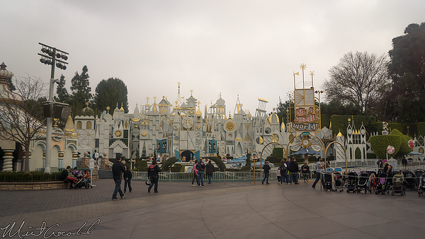 Disneyland Resort, Disneyland, Fantasyland, it's a small world, Small World, Small, World, Sign, Animate, Animated, Clock