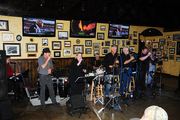 11-21-14 SKYLINE 9-PIECE COVER BAND AT DIRTY BAY BEER COMPANY