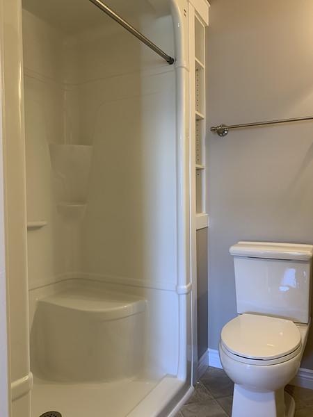Bathroom1_3.jpg