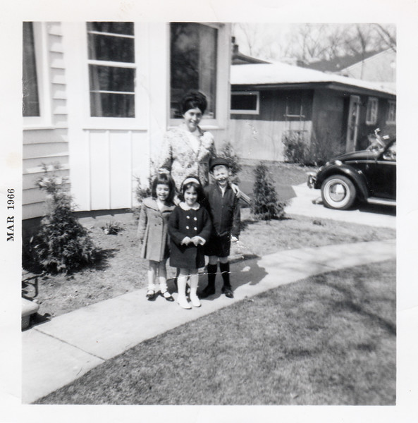 1966-03 paula michelle scott karen urbandale de pere wi