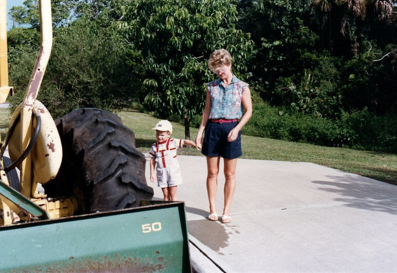 1986_August_First_Day_of_School,_Summer_fun_0008_a.jpg
