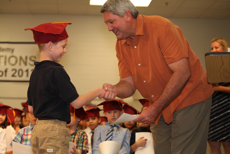 2012May18_MTA Kinder Grad_9744.JPG
