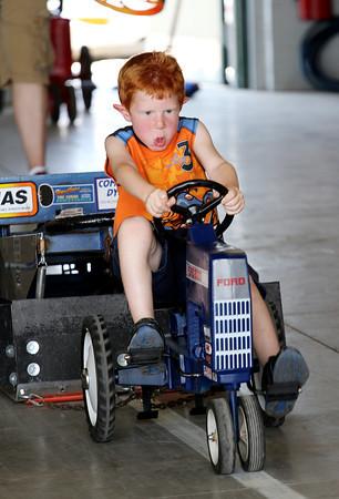 MFD Pig Roast & Kids Tractor Pull