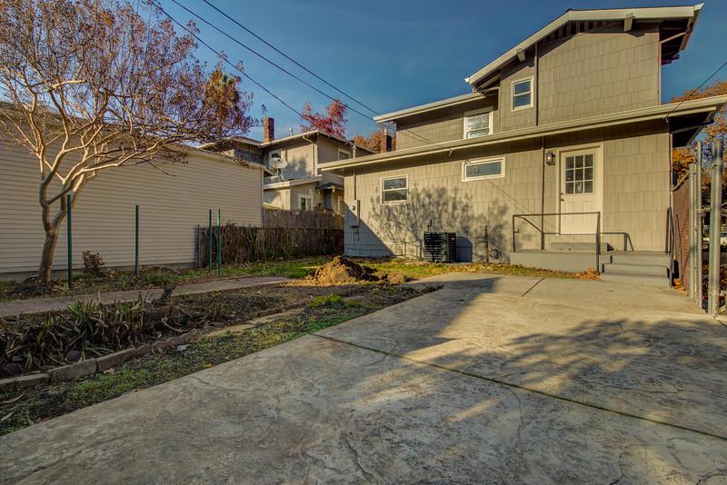 3126 Serra Way Sacramento CA 95816-51.jpg