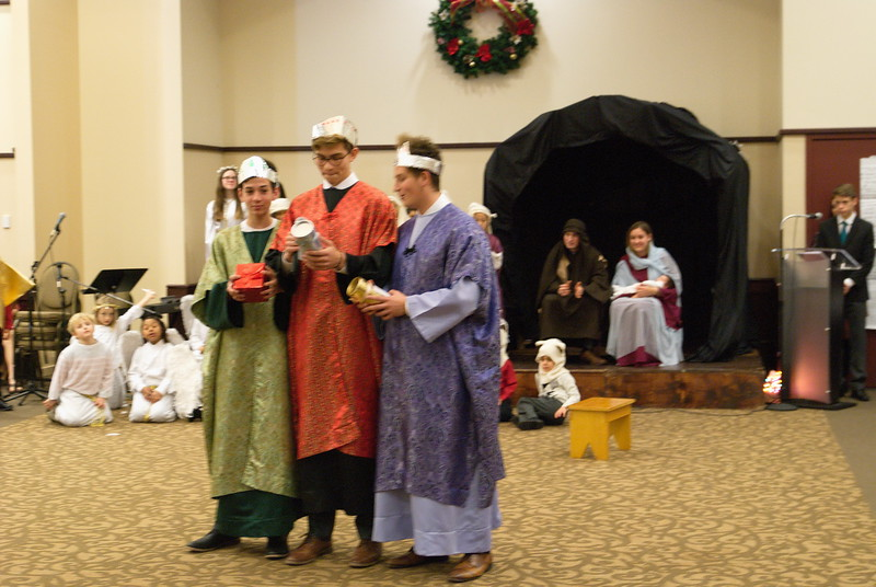 2017-12-17-Christmas-Pageant_229.jpg